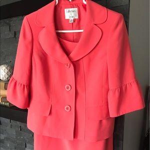 """2 piece Suit in """"Melon"""" Collections fo Le Suit"""